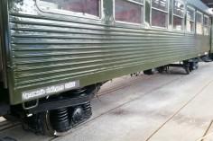 Nanoszenie szablonów z odpowiednimi opisami wagonu (foto Piotr Mróz)