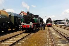 Przygotowania do Parady: TKh05353, Ty42-24 oraz wagony 94A (foto Piotr Mróz)