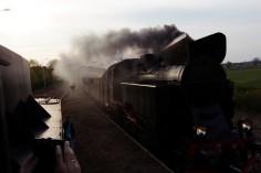 Mijanka parowozów na stacji Nowawieś Mochy Ty42-24 (stacja docelowa) oraz TKt48-191(do Leszna)(foto Piotr Mróz)