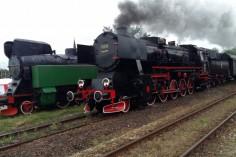 Ty42-24 z pociągiem do Świdnicy