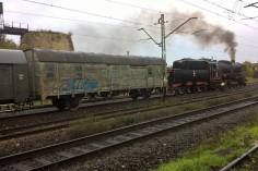 Wagon opuszczający stację Gogolin w składzie foto Krzysztof Jakubina