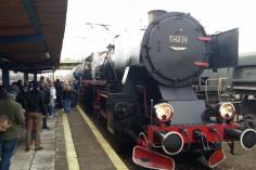 Pociąg oczekujący na pasażerów w stacji Trzebinia (foto Piotr Mróz)