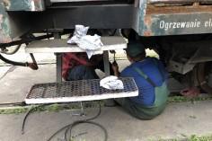 Pan Krzysztof w wagonie 8542 uruchomił w pełni zasilanie elektryczne od prądnicy po oświetlenie w wagonie