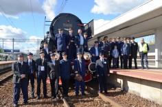 Wspólne zdjęcie wszystkich, którzy brali czynny udział w realizacji pociągów retro (foto Krzysztof Kaczyński)