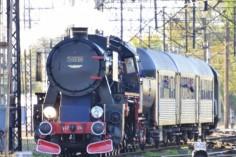 Wyjazd Ty42-24 do stacji Warszawa Olszynka Grochowska (foto Krzysztof Kaczyński)