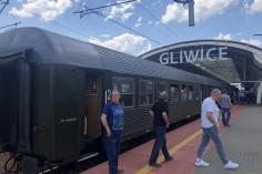 Nasz Krzysiu i stacja Gliwice na powrocie (foto Piotr Mróz)