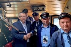 Wspólne zdjęcie w kabinie maszynisty wraz z Ministrem Adamczykiem fot. Patryk Salomon